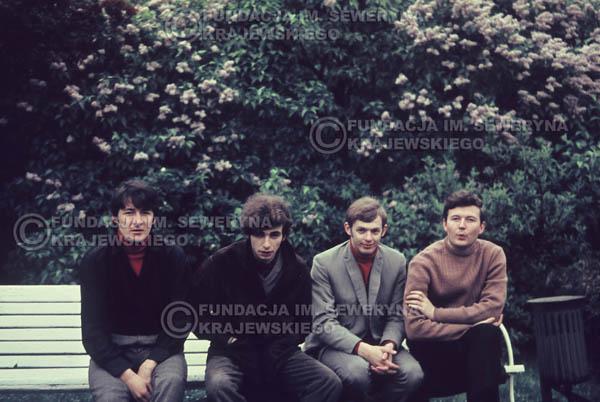 # 289 - Czerwone Gitary 1967r. sesja do płyty pt: 'Czerwone Gitary 3' Park Oliwski