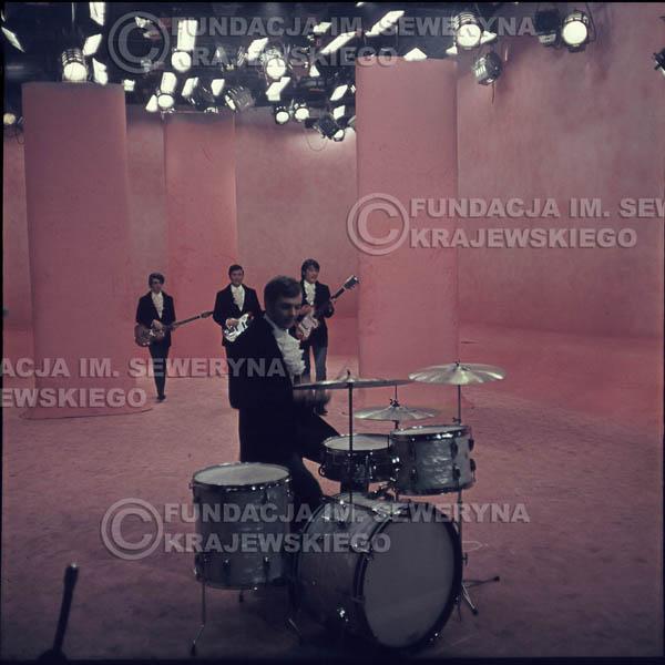 # 299 - Czerwone Gitary 1967r. sesja do płyty pt: 'Czerwone Gitary 3' studio telewizyjne w Warszawie
