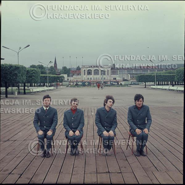 # 301 - Czerwone Gitary 1967r. sesja do płyty pt: 'Czerwone Gitary 3' , molo w Sopocie