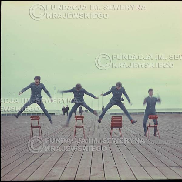 # 304 - Czerwone Gitary 1967r. sesja do płyty pt: 'Czerwone Gitary 3' , molo w Sopocie
