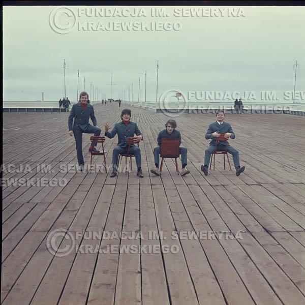# 305 - Czerwone Gitary 1967r. sesja do płyty pt: 'Czerwone Gitary 3' , molo w Sopocie