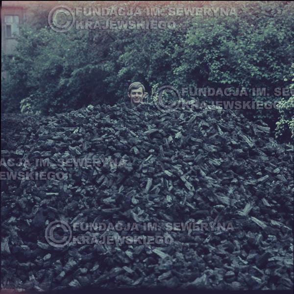 # 328 - Jerzy Skrzypczyk, sesja do płyty pt: 'Czerwone Gitary 3' Park Oliwski, 1967r.