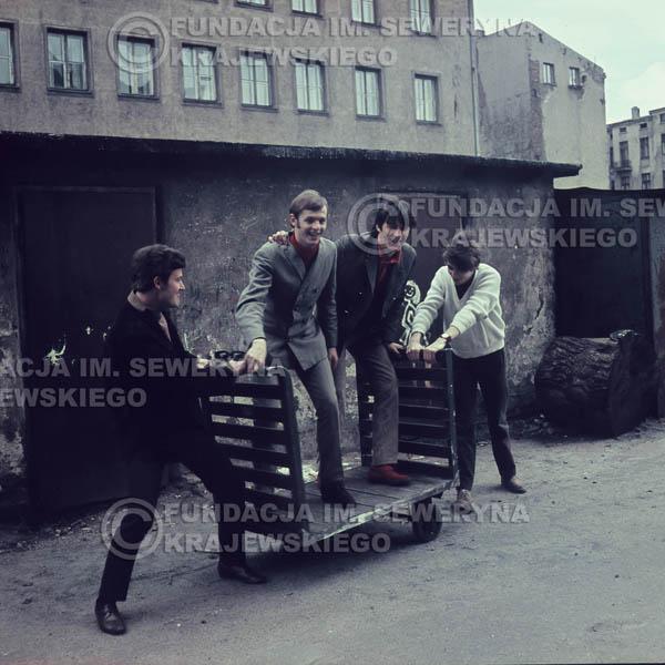 # 373 - Czerwone Gitary, Łódź, sesja zdjęciowa do płyty pt: 'Czerwone Gitary 3' 1967r