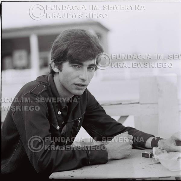 # 382 - Seweryn Krajewski, 1967r. sesja w Sopocie (zdjęcia dla fanów do autografów)