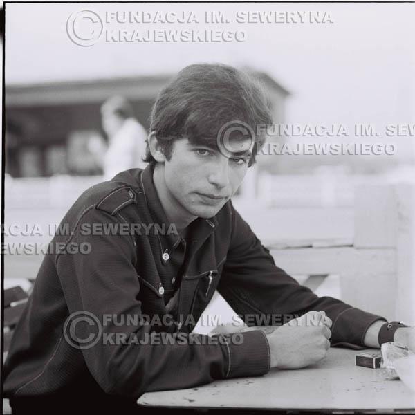 # 383 - Seweryn Krajewski, 1967r. sesja w Sopocie (zdjęcia dla fanów do autografów)