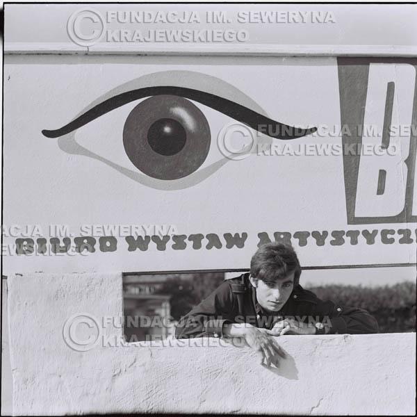 # 397 - Seweryn Krajewski, 1967r. sesja w Sopocie (zdjęcia dla fanów do autografów)