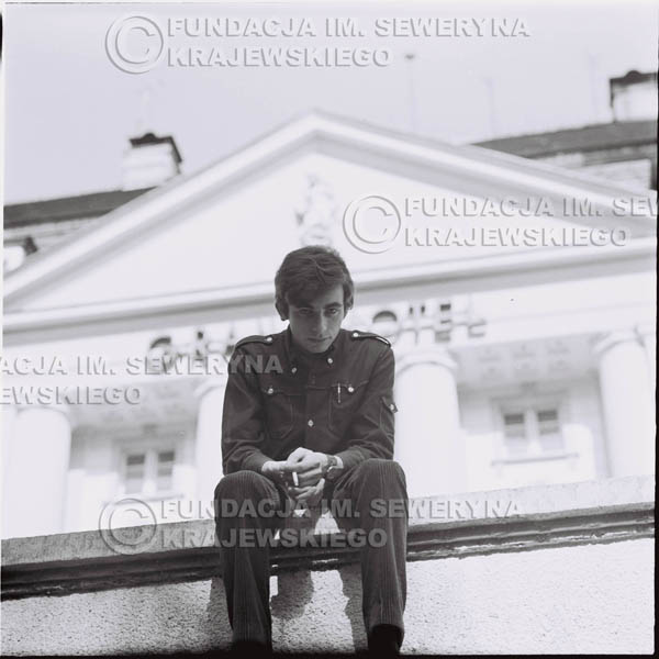 # 404 - Seweryn Krajewski, 1967r. sesja w Sopocie (zdjęcia dla fanów do autografów)