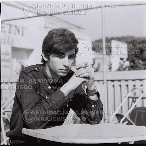 # 410 - Seweryn Krajewski, 1967r. sesja w Sopocie (zdjęcia dla fanów do autografów)