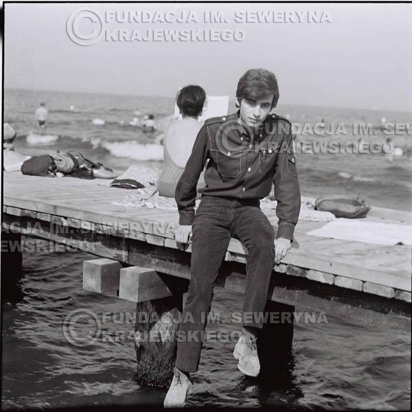 # 414 - Seweryn Krajewski, 1967r. sesja w Sopocie (zdjęcia dla fanów do autografów)