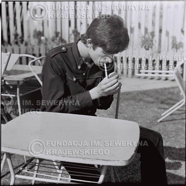 # 417 - Seweryn Krajewski, 1967r. sesja w Sopocie (zdjęcia dla fanów do autografów)