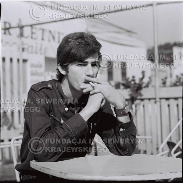 # 418 - Seweryn Krajewski, 1967r. sesja w Sopocie (zdjęcia dla fanów do autografów)