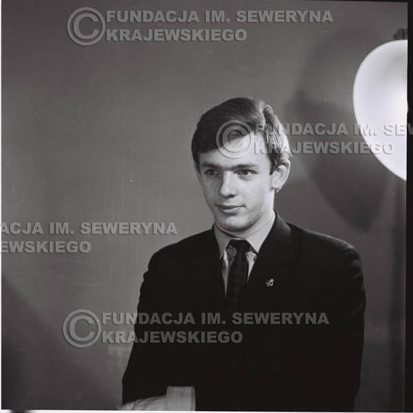 # 420 - Jerzy Skrzypczyk, sesja zdjęciowa do płyty pt: 'Czerwone Gitary 3', 1967r.