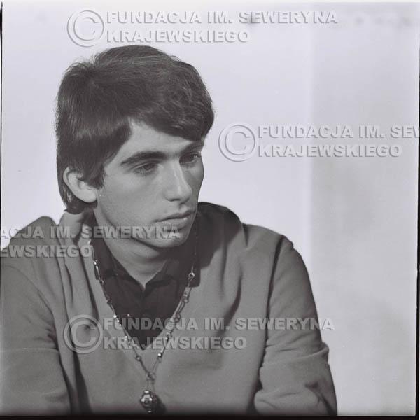 # 430 - Seweryn Krajewski, sesja zdjęciowa do płyty pt: 'Czerwone Gitary 3', 1967r.