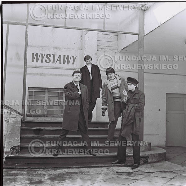 # 436 - Czerwone Gitary, 1967r. sesja w Sopocie (zdjęcia dla fanów do autografów)