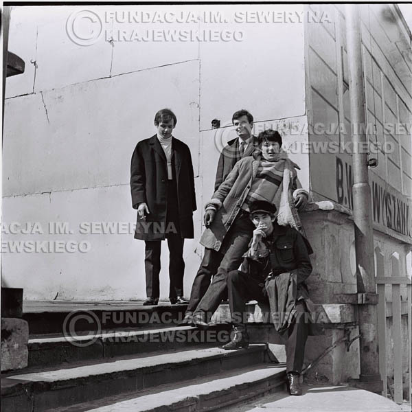 # 439 - Czerwone Gitary, 1967r. sesja w Sopocie (zdjęcia dla fanów do autografów)