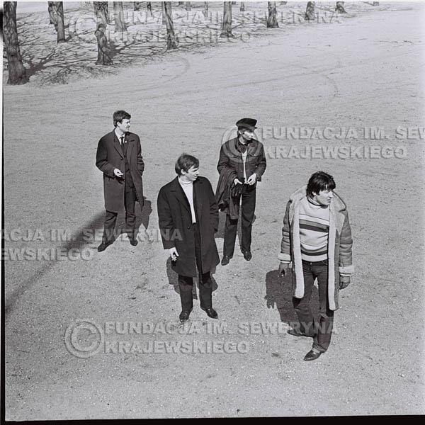 # 441 - Czerwone Gitary, 1967r. sesja w Sopocie (zdjęcia dla fanów do autografów)