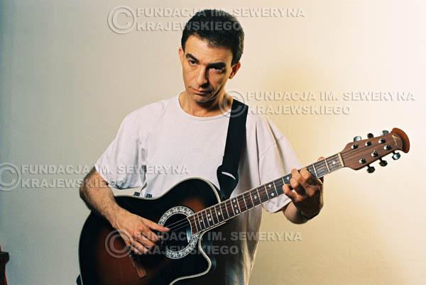 # 45 - Leszek Fidusiewicz. Sesja do okładki 'Strofki na gitarę (2)' - 1993 r.