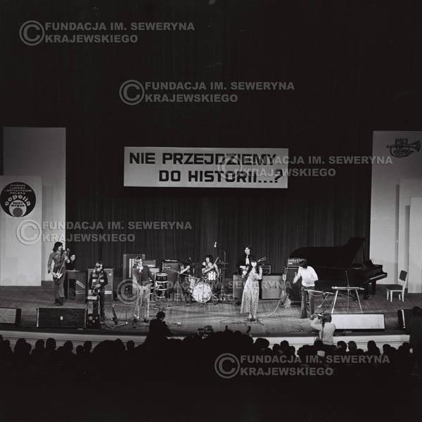 # 478 - Trasa koncertowa na dziesięciolecie Niebiesko - Czarnych, a jednocześnie ostatnia trasa koncertowa Krzysztofa Klenczona przed wyjazdem do USA pod hasłem 'Nie Przejdziemy do Historii'.1971r.