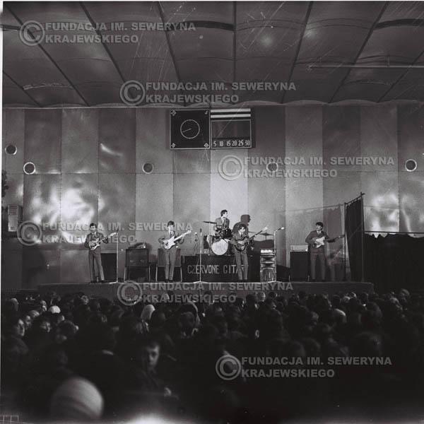 # 536 - Koncert 'Czerwone Gitarty', hala Stoczni Gdańskiej, 1966r.