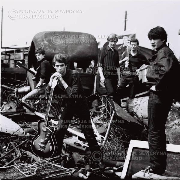 # 602 - 1966r. Czerwone Gitary, Łódź.  Zdjęcie z sesji do okładki pierwszego longpleya pod tytułem  'To Wlasnie My'.