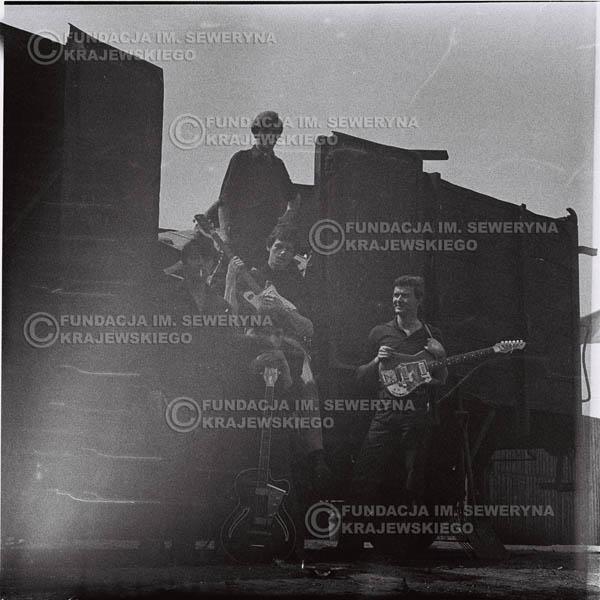 # 665 - 1966r. Czerwone Gitary, Łódź.  Zdjęcie z sesji do okładki pierwszego longpleya Czerwonych Gitar pod tytułem:  'To Wlaśnie My'.