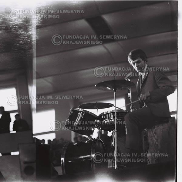 # 679 - 1966r. Hala Stoczni Gdańskiej