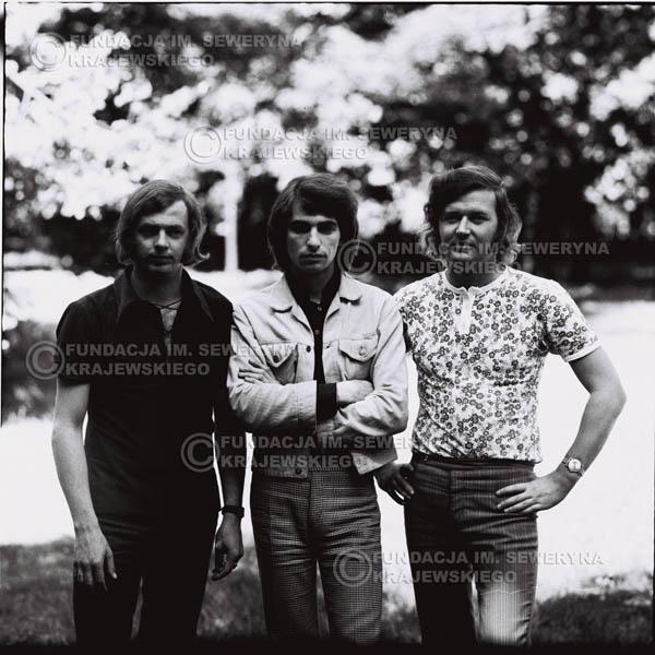 # 695 - 1970r. Czerwone Gitary w składzie: Seweryn Krajewski, Bernard Dornowski, Jerzy Skrzypczyk.