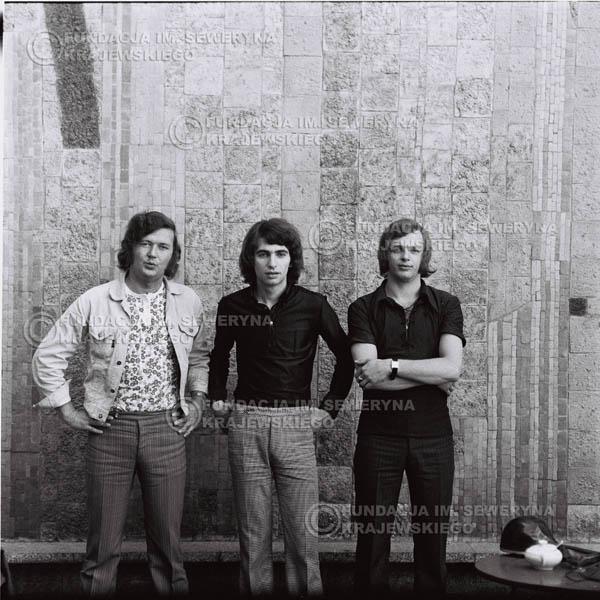 # 699 - 1970r. Czerwone Gitary w składzie: Seweryn Krajewski, Bernard Dornowski, Jerzy Skrzypczyk.