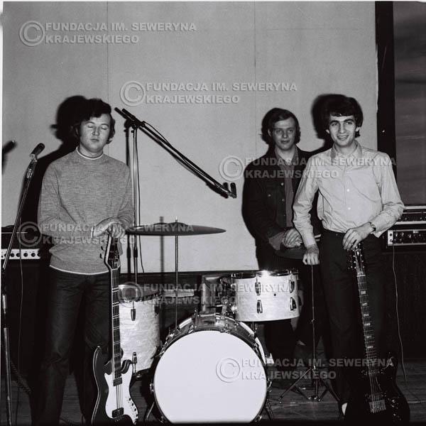 # 732 - Czerwone Gitary 1970r. w składzie: Seweryn Krajewski, Jerzy Skrzypczyk i Bernard Dornowski