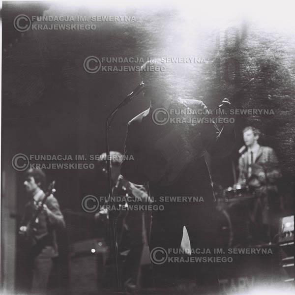 # 743 - 1966r. hala Stoczni Gdańskiej