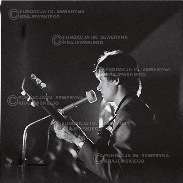 # 749 - 1966r. hala Stoczni Gdańskiej