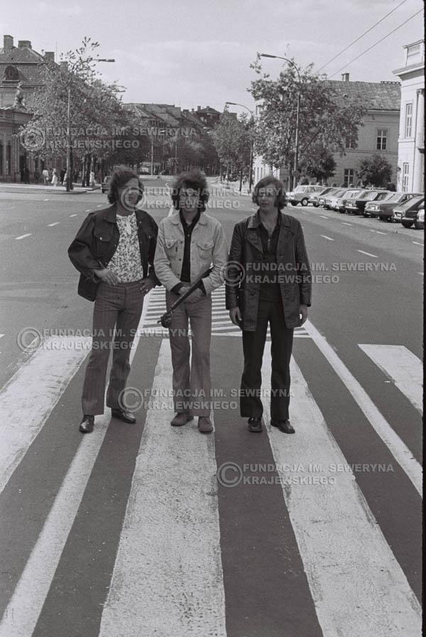 # 760 - 1970r. Warszawa, Czerwone Gitary w składzie: Seweryn Krajewski, Bernard Dornowski, Jerzy Skrzypczyk