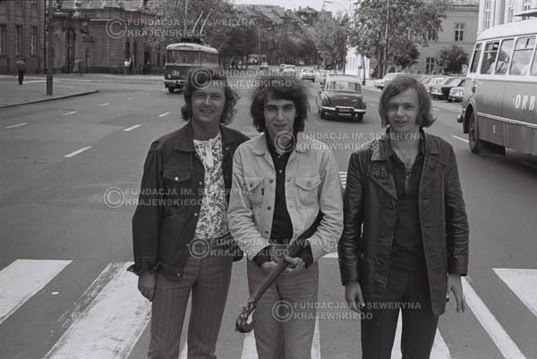 # 780 - 1970r. Warszawa, Czerwone Gitary w składzie: Seweryn Krajewski, Bernard Dornowski, Jerzy Skrzypczyk