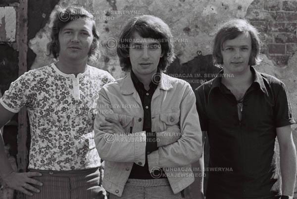 # 802 - 1970r. Warszawa, Czerwone Gitary w składzie: Seweryn Krajewski, Bernard Dornowski, Jerzy Skrzypczyk