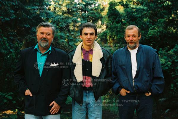 # 912 - Czerwone Gitary w składzie: Jerzy Skrzypczyk, Seweryn Krajewski, Bernard Dornowski. 1991r., sesja zdjęciowa w Michalinie.