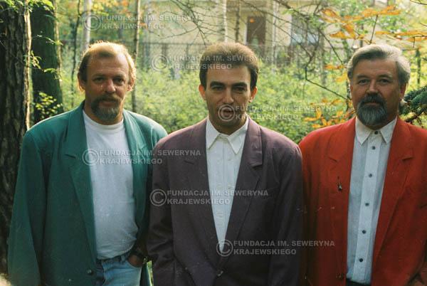 # 917 - Czerwone Gitary w składzie: Jerzy Skrzypczyk, Seweryn Krajewski, Bernard Dornowski. 1991r., sesja zdjęciowa w Michalinie.