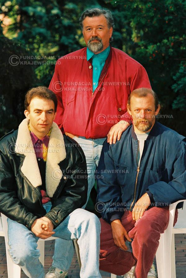 # 933 - 1991r. sesja zdjęciowa w Michalinie, Czerwone Gitary w składzie: Seweryn Krajewski, Bernard Dornowski, Jerzy Skrzypczyk