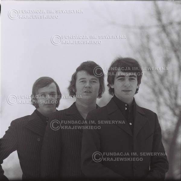 # 989 - zima 1970r. Czerwone Gitary w składzie: Seweryn Krajewski, Bernard Dornowski, Jerzy Skrzypczyk