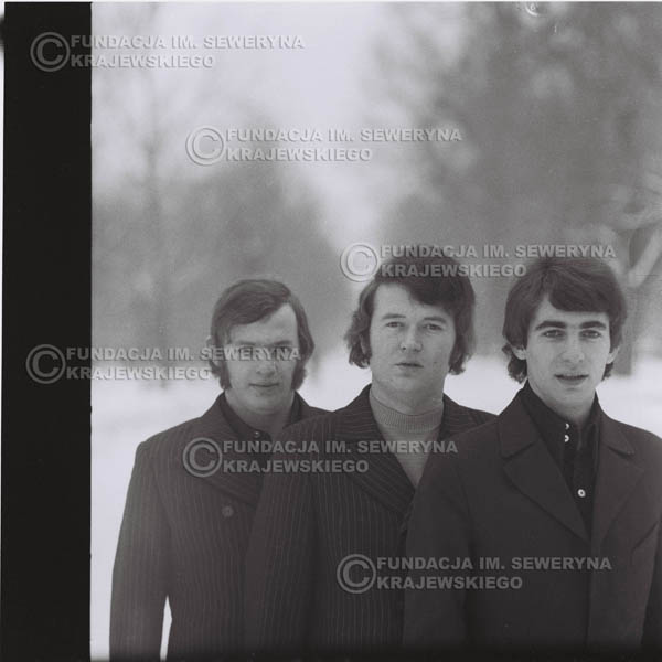 # 993 - zima 1970r. Czerwone Gitary w składzie: Seweryn Krajewski, Bernard Dornowski, Jerzy Skrzypczyk.